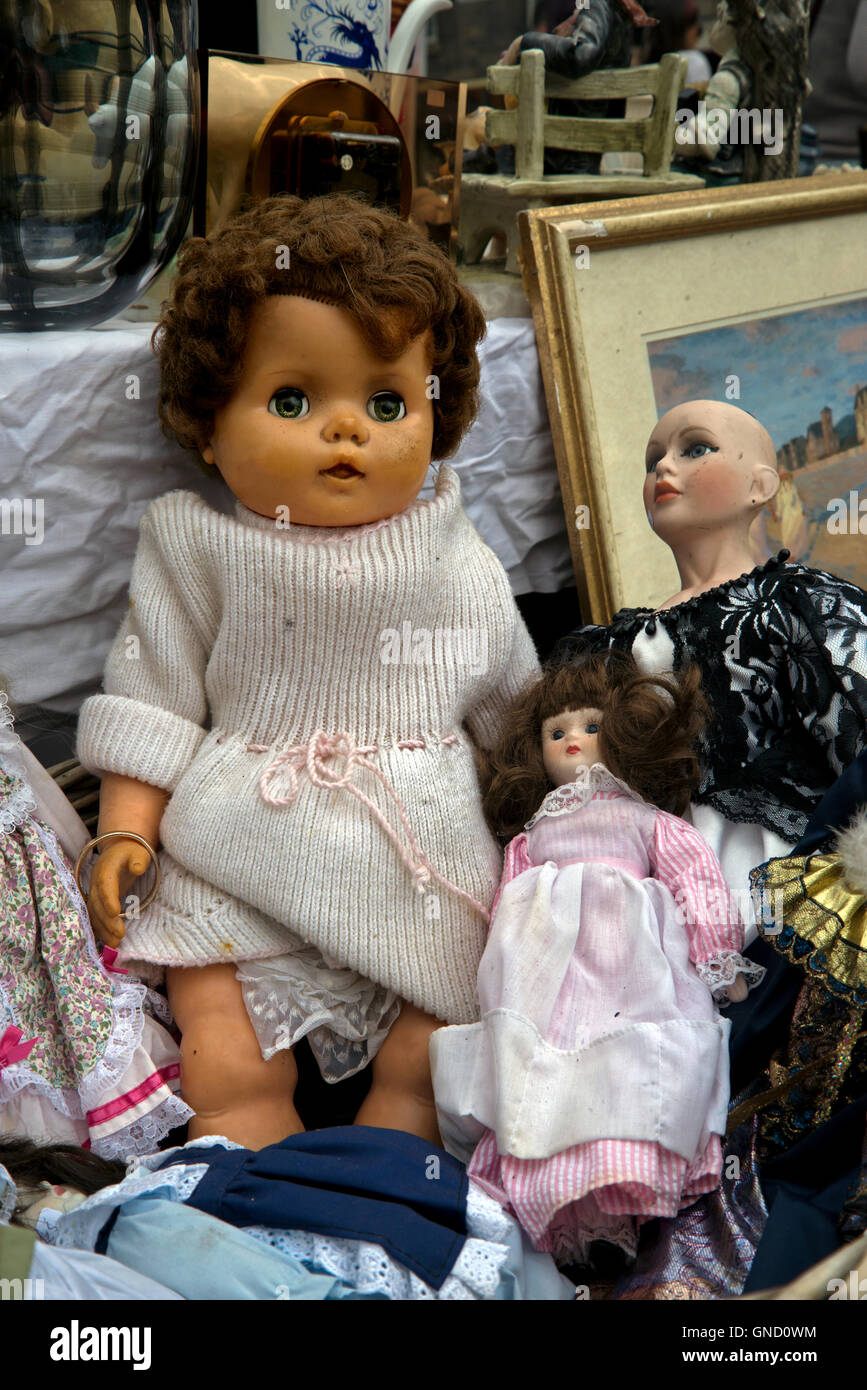 Vintage dolls for sale on a stall in the annual Grassmarket Fair in Edinburgh, Scotland, UK. - Stock Image