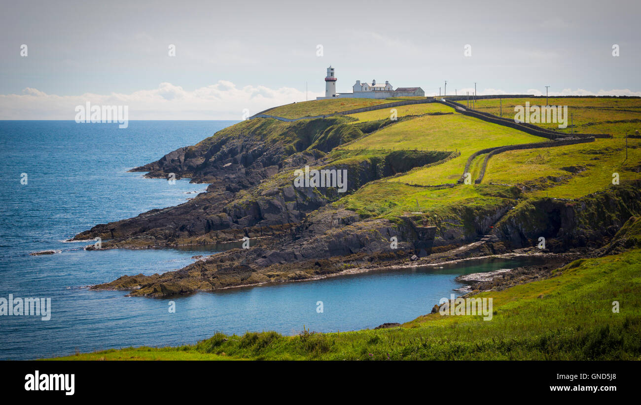 The lighthouse and keepers houses at Galley Head, County Cork, Republic of Ireland.  Eire.  The lighthouse dates - Stock Image
