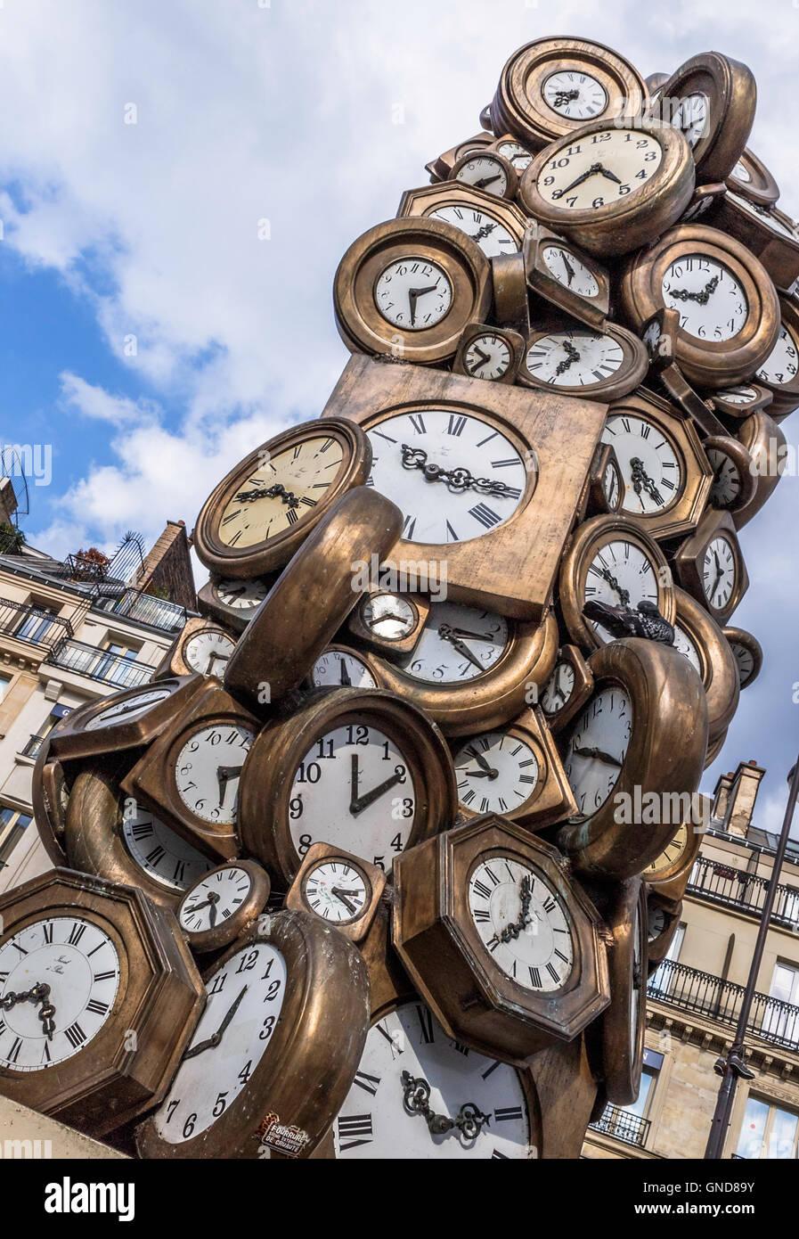 Clock sculpture at St. Lazare Station, Paris - Stock Image