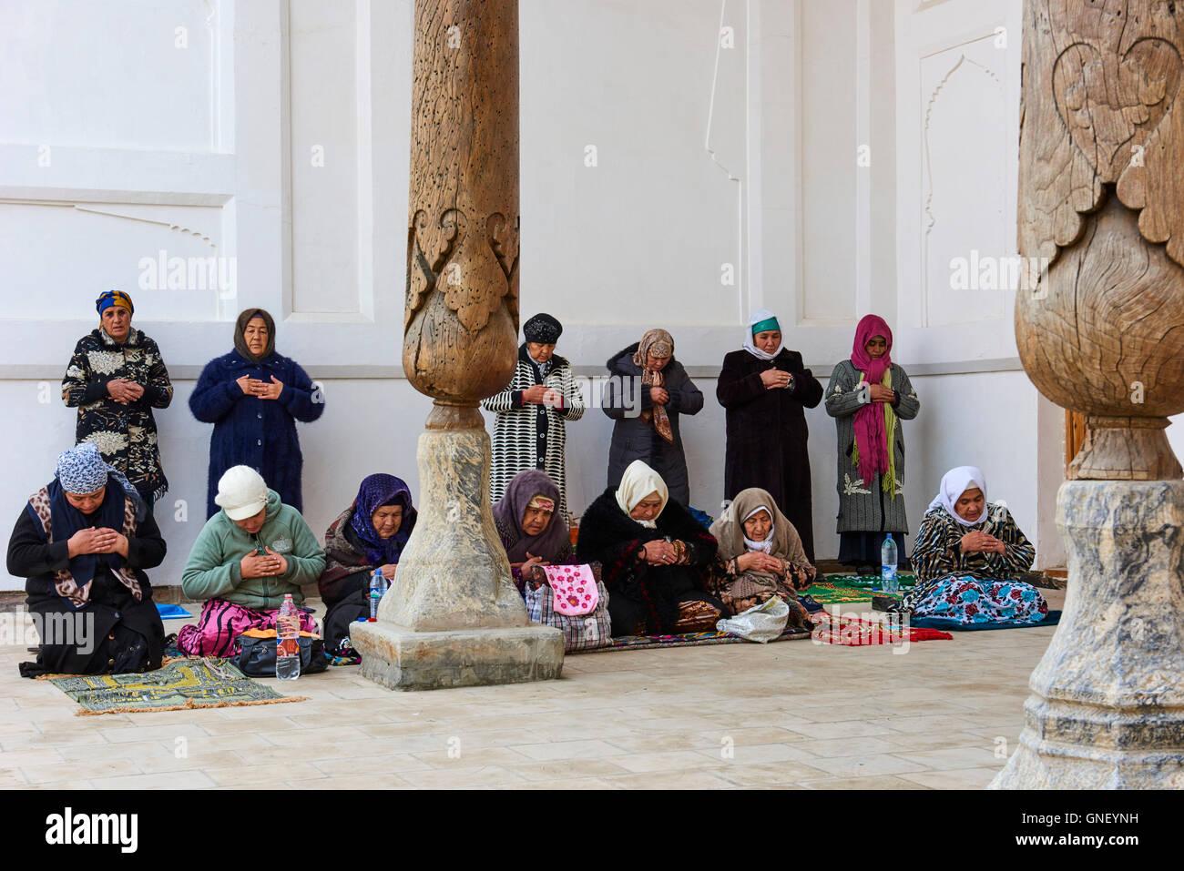 Uzbekistan, Bukhara, Unesco world heritage, Bahouddin Naqshbandi mosque, sufi spirituel memorial, prayer - Stock Image