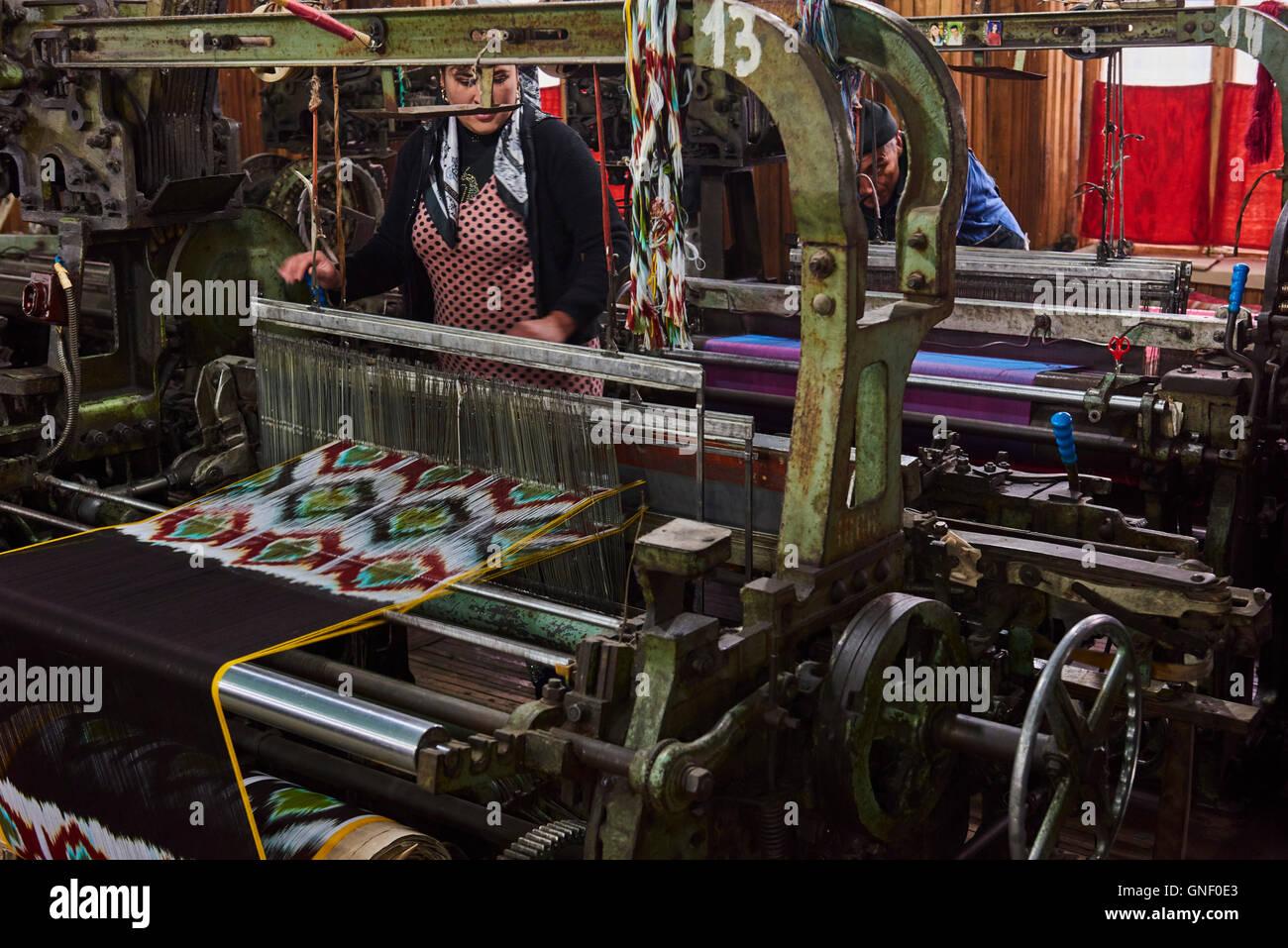 Uzbekistan, Fergana region, Marguilan, bazaar, silk weaving  factory - Stock Image