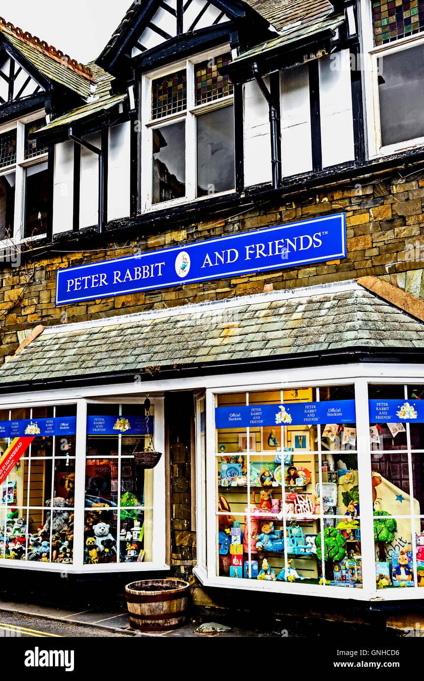 Hawkshead, Peter Rabbit and Friends, advertising; Werbung für Produkte von Beatrix Potter in Hawkshead Stock Photo