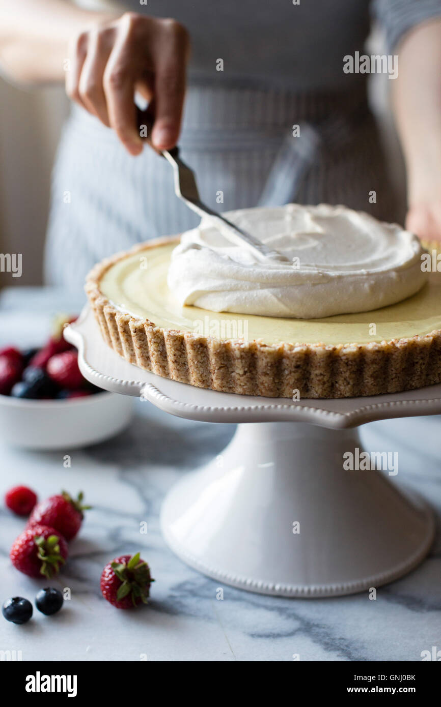 No-Bake Lemon Berry Coconut Cream Tart (vegan, gluten-free, refined sugar-free) - Stock Image