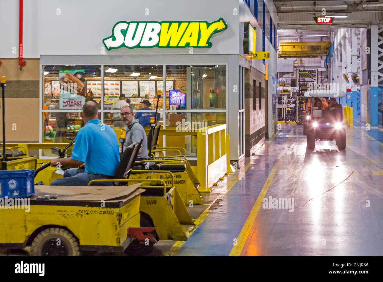 Sterling Heights Chrysler >> Sterling Heights Michigan A Subway Sandwich Shop Inside Fiat