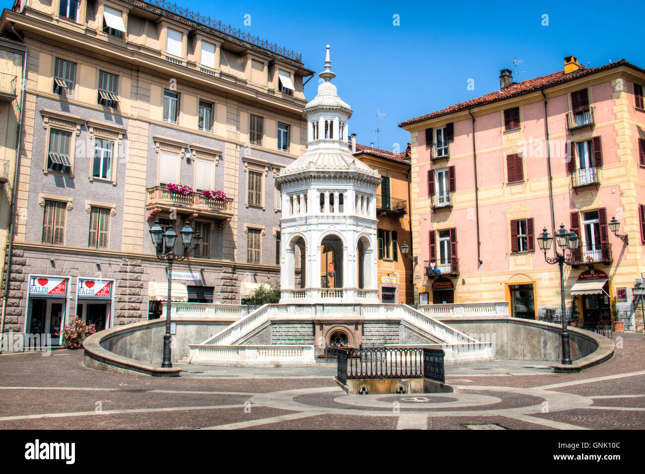 ACQUI TERME, ITALY - JULY 2016: The main square with fountain in Acqui Terme, Italy - Stock Image