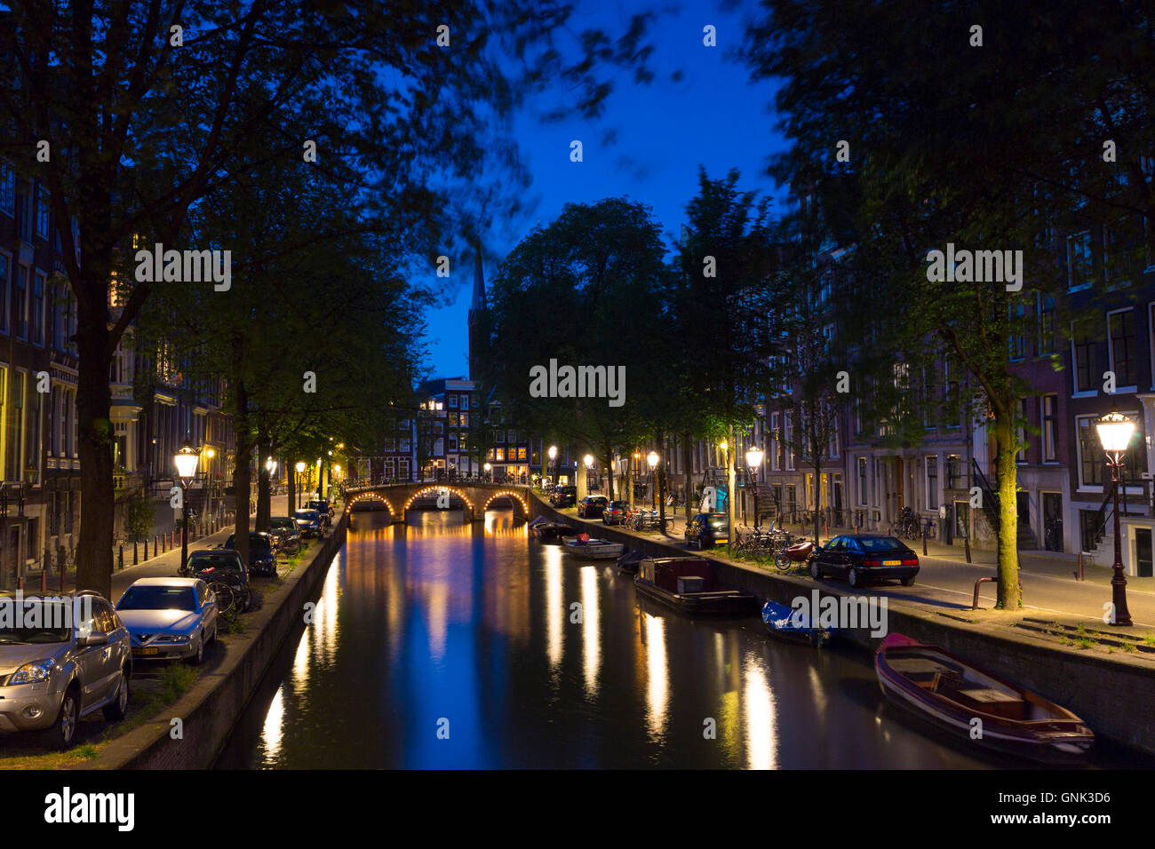 Canal and bridge at Kaisersgracht and Leidsegracht in canal ring area, Jordaan district, Amsterdam - Stock Image