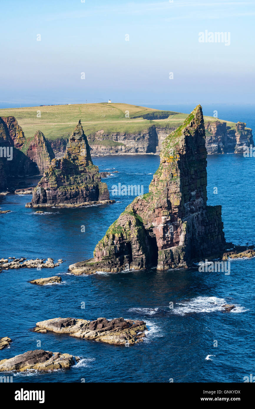 Sea stacks at Duncansby Head, near John O' Groats, Caithness, Highland, Scotland, United Kingdom - Stock Image