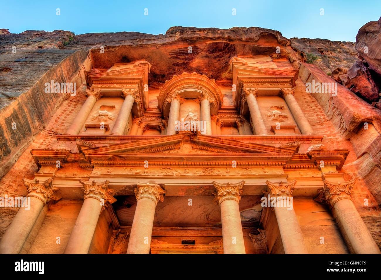 Al Khazneh temple in Petra. UNESCO world heritage site - Stock Image