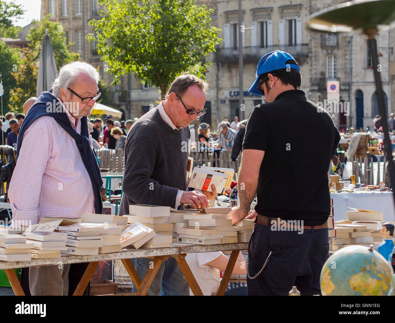 Secondhand books, street market. Bordeaux, Gironde. Aquitaine France Europe - Stock Image