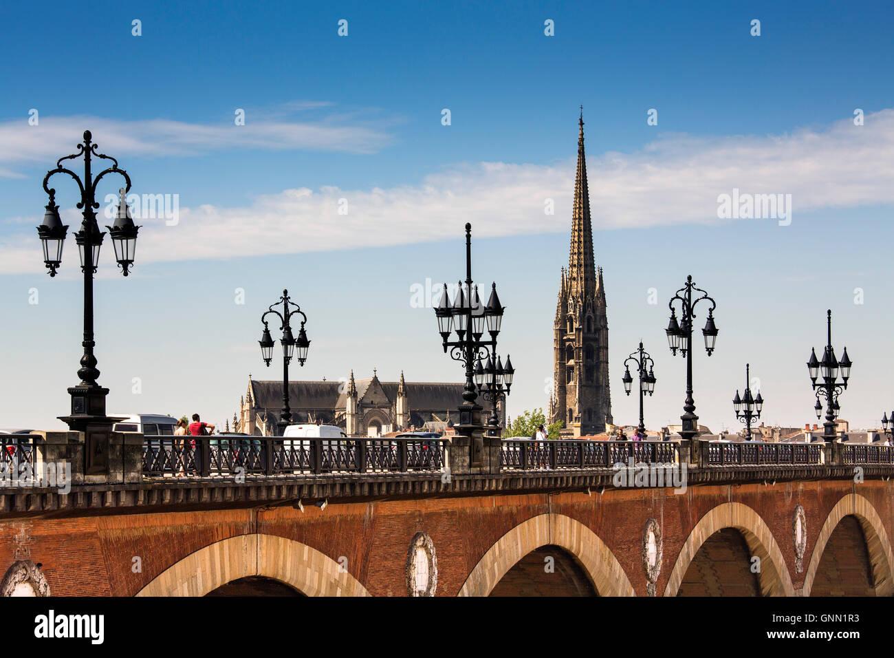 Pont De Pierre and Saint-Michel freestanding bell tower 'La Flèche'. Bordeaux, Gironde. Aquitaine France - Stock Image