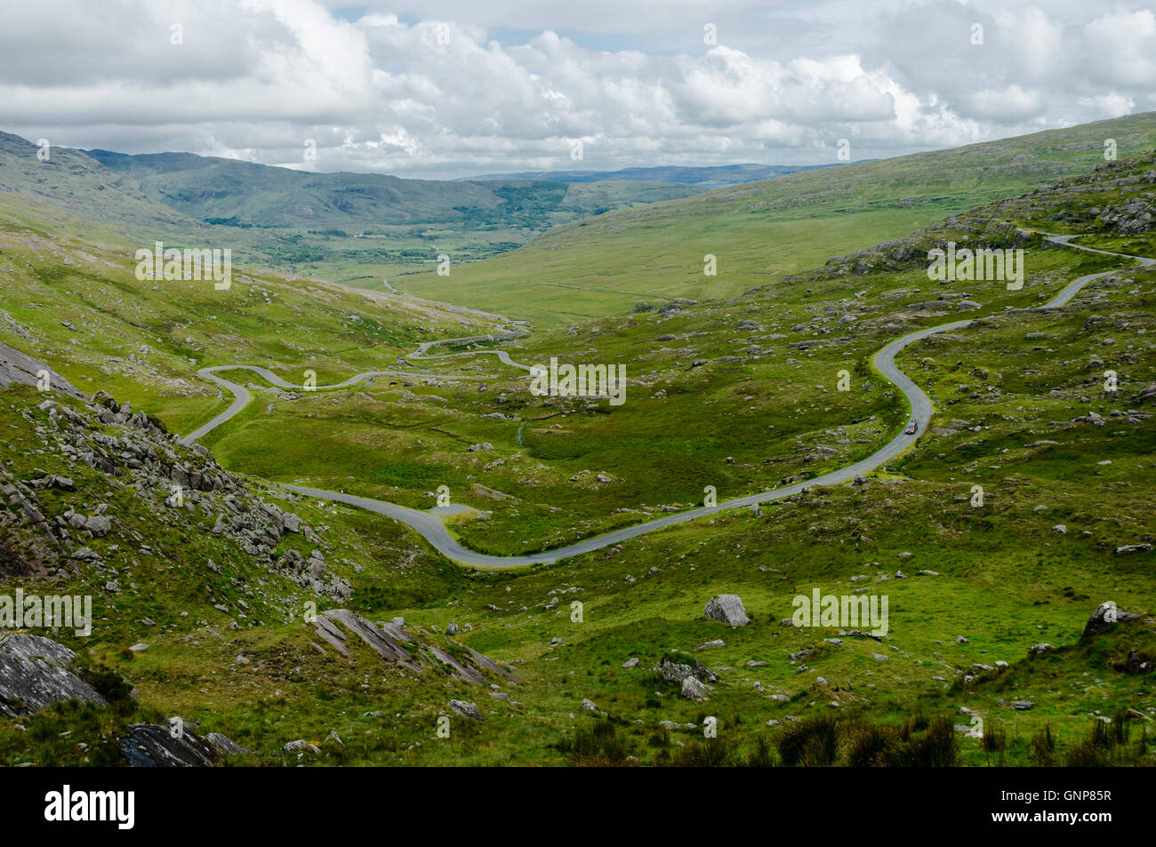 The winding road leading to the Healy Pass, between Country Cork and Country Kerry, Ireland, Europe - Stock Image