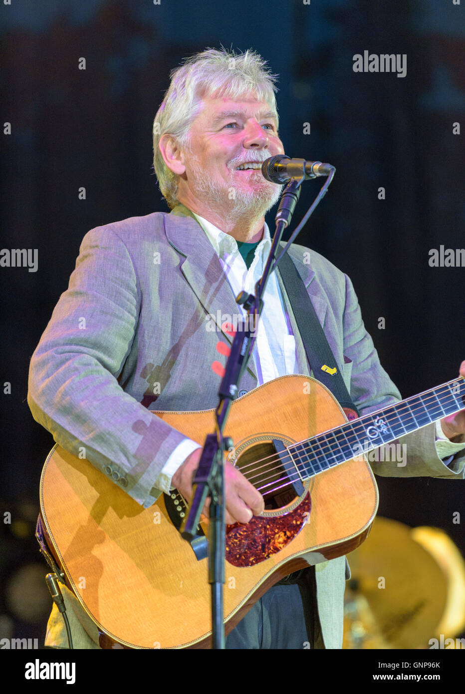 Simon Nicol of Fairport Convention performing at Fairport's Cropredy Convention, Banbury, England, UK. August - Stock Image