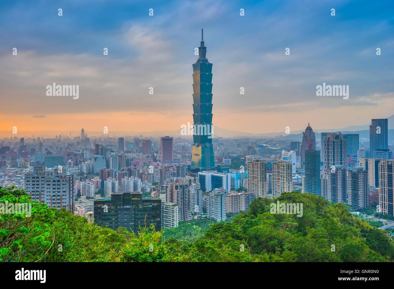 Taipei city skyline with sunset in Taiwan. - Stock Image