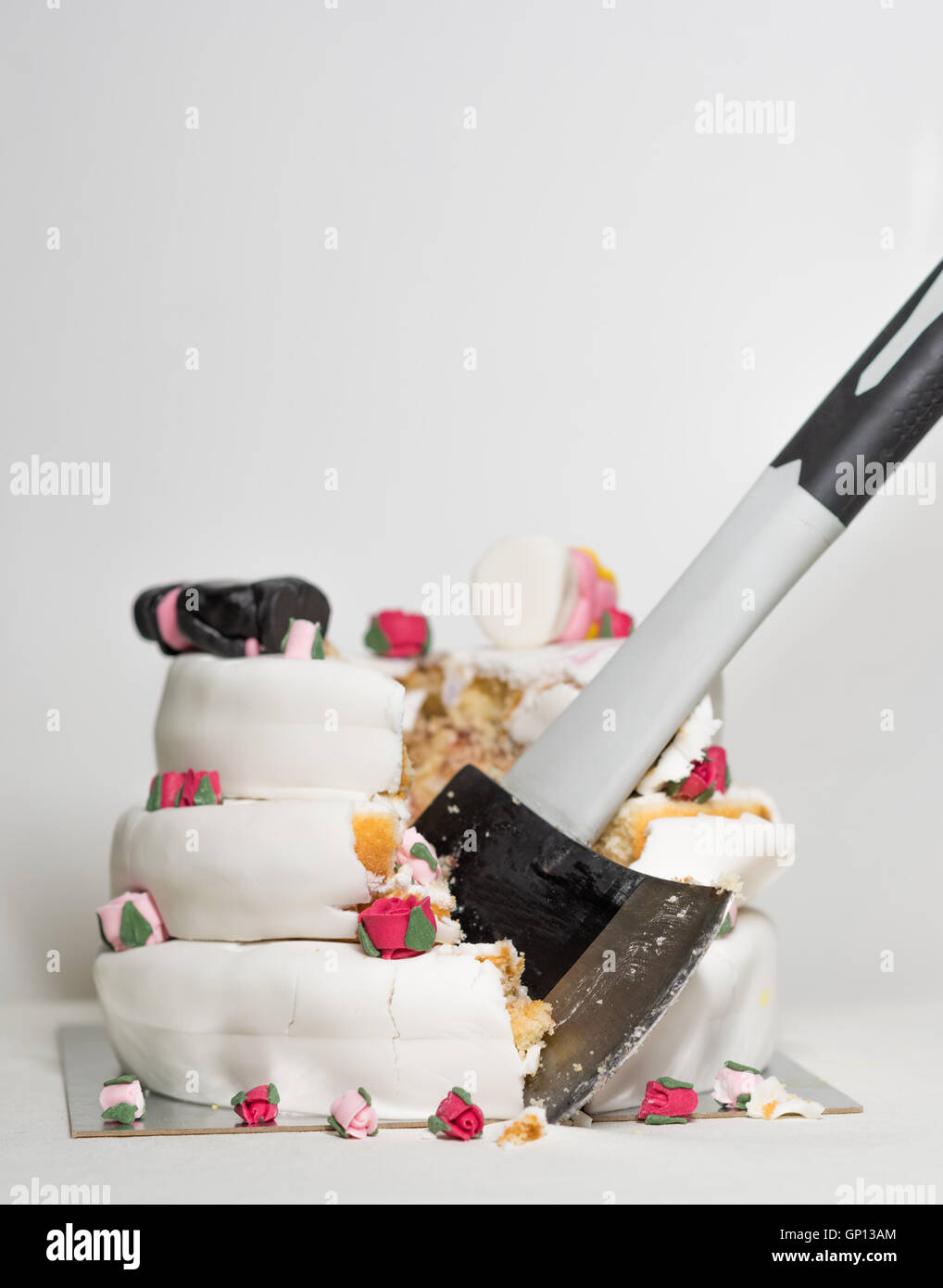 Destroyed Cake Stock Photos & Destroyed Cake Stock Images - Alamy