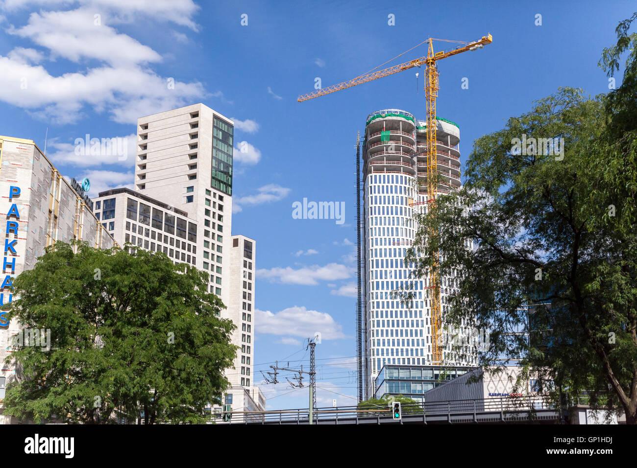 Upper West New Building Construction Next To Hotel Waldorf Astoria
