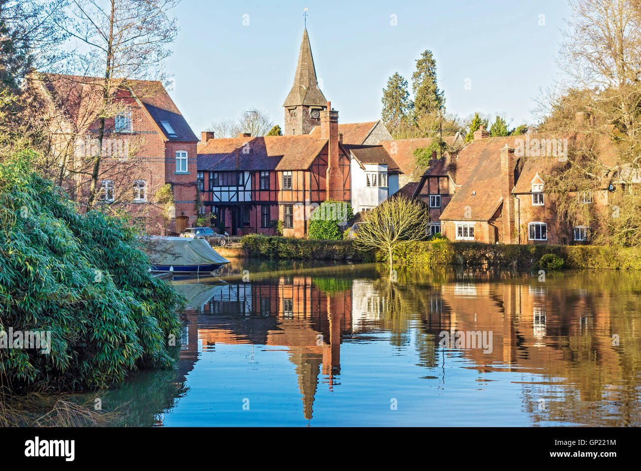 The Mill Pool Whitchurch Berkshire UK - Stock Image