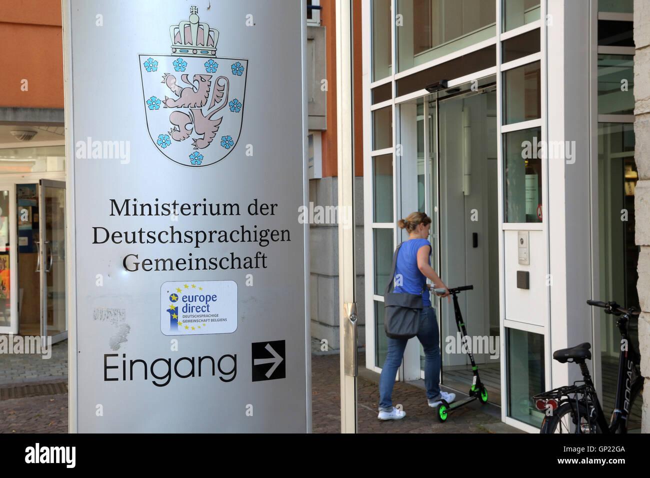 Eingang zum Ministerium der Deutschprachigen Gemeinschaft in Eupen, Belgien. Stock Photo