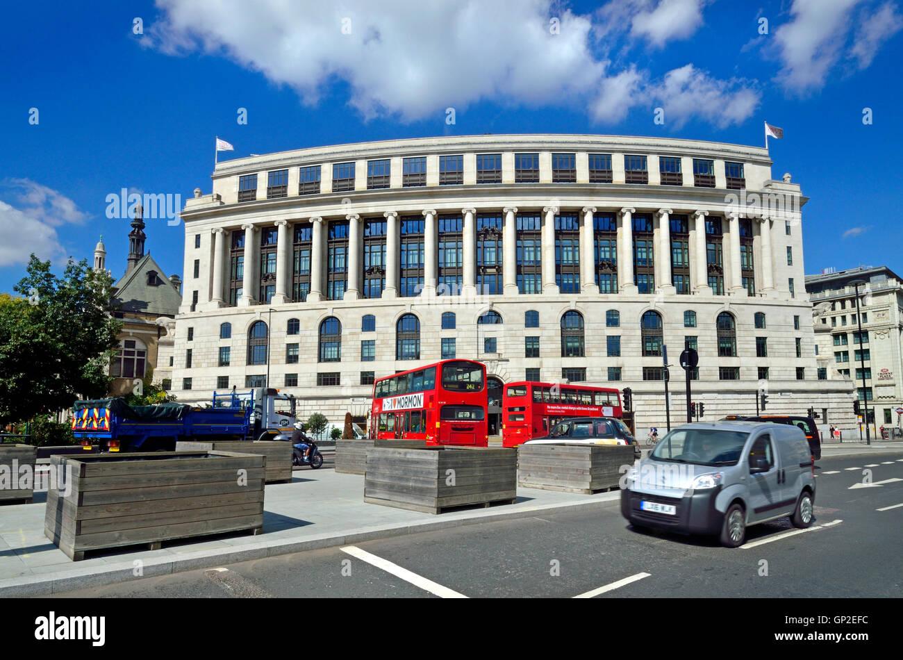 London, England, UK. Unilever House (1933: Neoclassical Art Deco) at 100, Victoria Embankment. Stock Photo