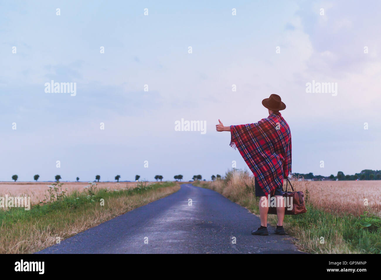 Hitchhikers By Side Of Road >> Hitchhiker Stock Photos Hitchhiker Stock Images Alamy