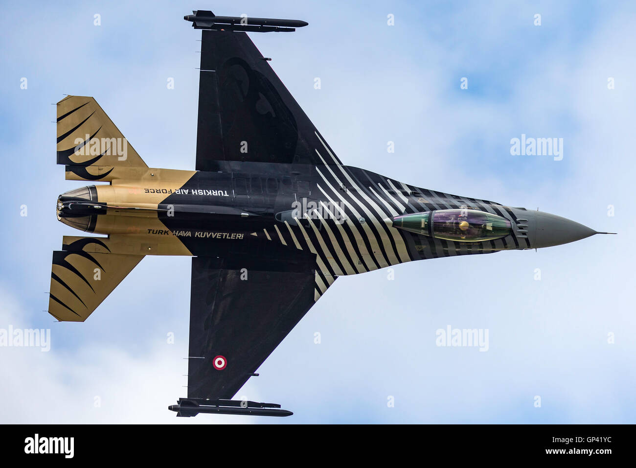 Turkish Air Force (Türk Hava Kuvvetleri) General Dynamics F-16CG jet known as 'Solo Turk'. - Stock Image