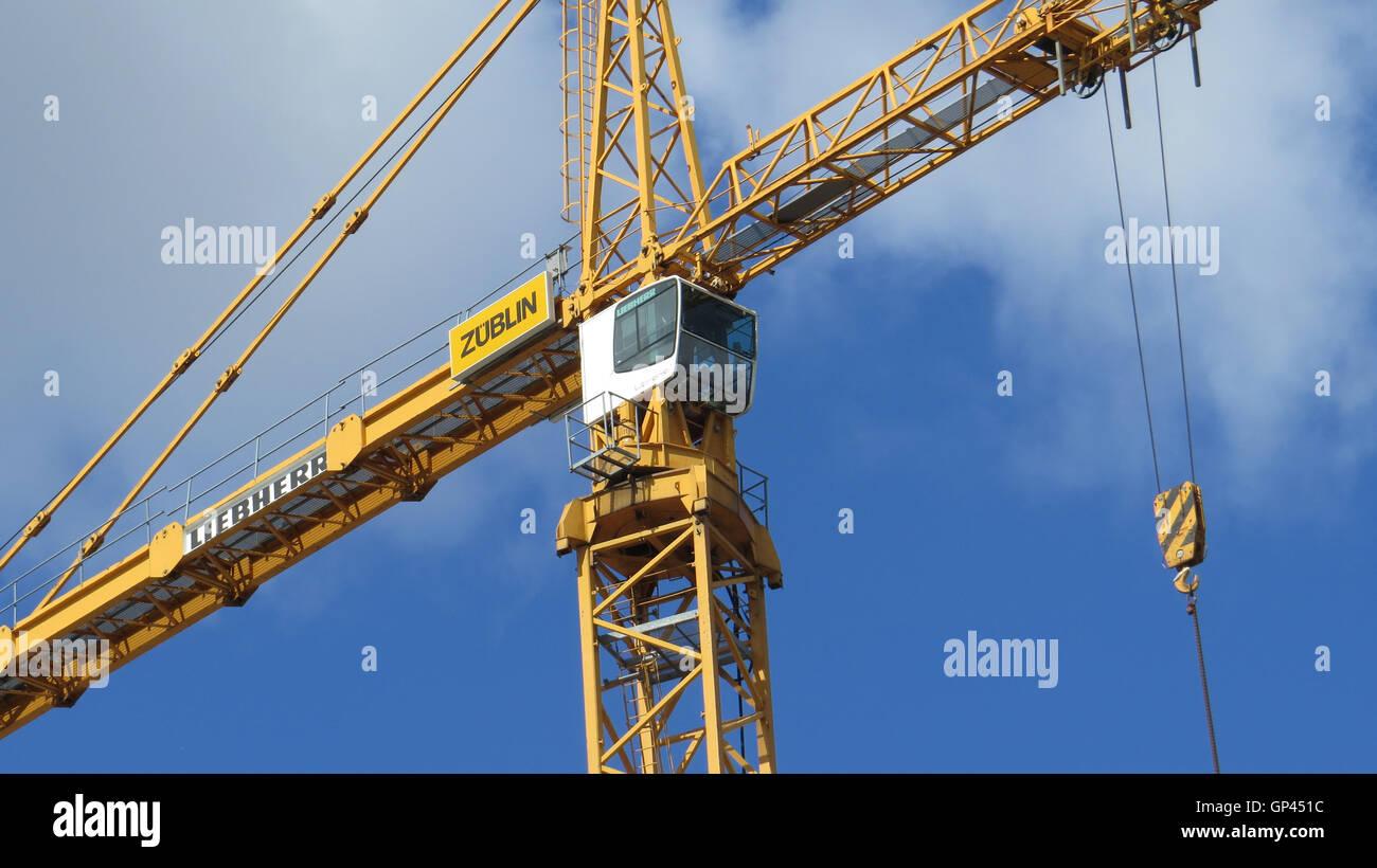 Tower Crane Stock Photos & Tower Crane Stock Images - Alamy