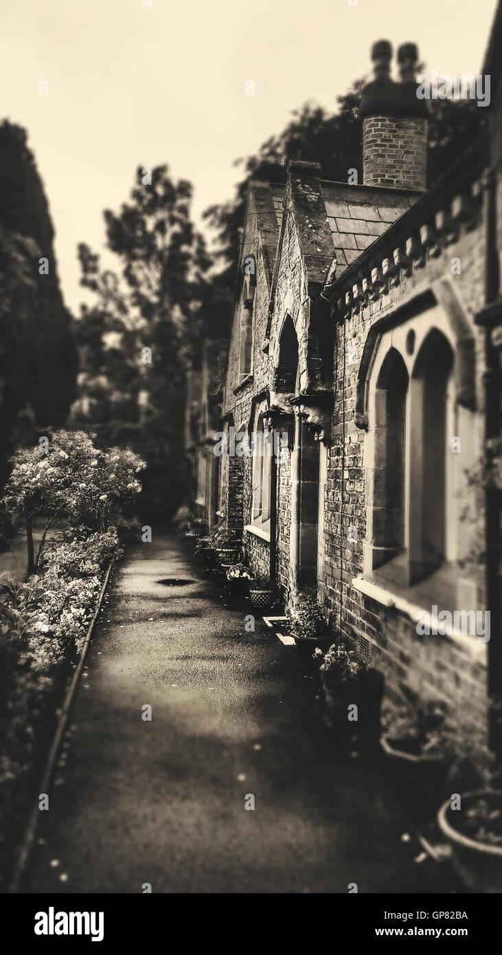 old charming english houses and gardens - Stock Image