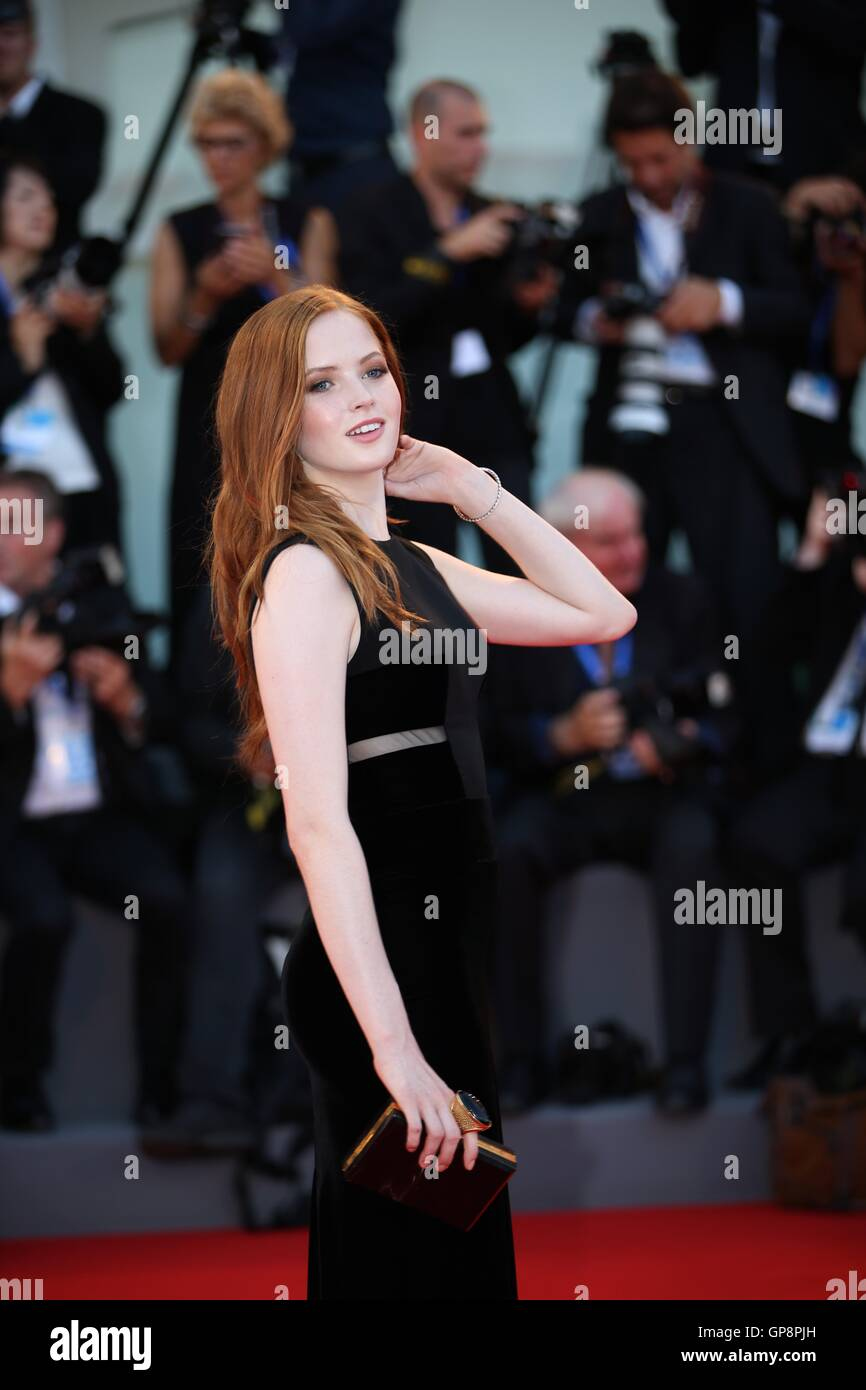 Venice, Italy. 2nd Sep, 2016. Actress Ellie Bamber arrives for the premiere of the movie 'Nocturnal Animals' - Stock Image
