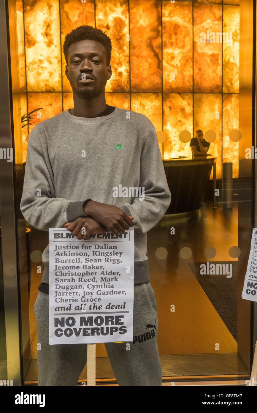 London, UK. 2nd Sep, 2016. London, UK. September 2nd 2016. The Black Lives Matter movement protests outside the - Stock Image