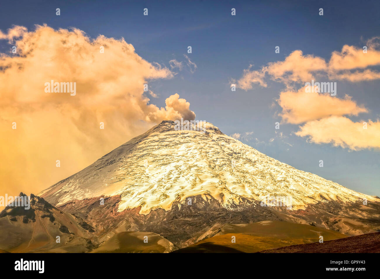Eruption Of Ash Clouds From Cotopaxi Volcano, Ecuador, South America - Stock Image