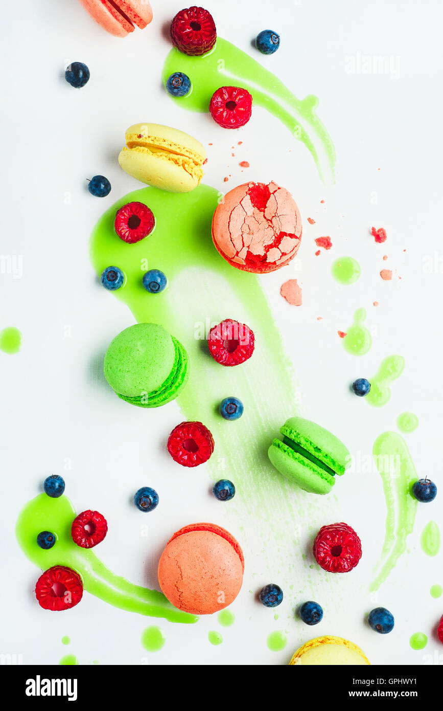 Art of food patterns (with macarons and lime frosting) - Stock Image
