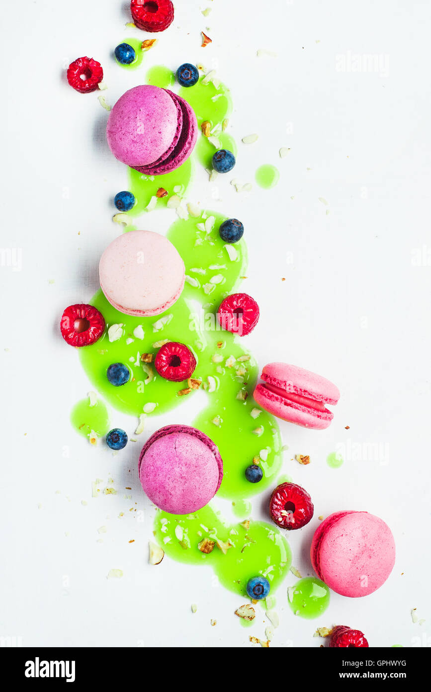 Macaroon Art: green glazing - Stock Image