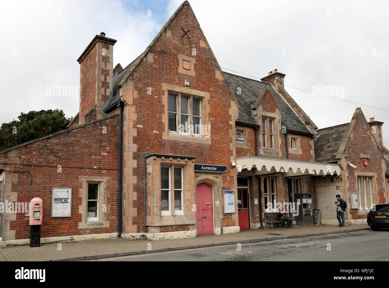 Exterior view of Axminster Railway Station designed by architect William Tite in 1860  in Devon, England UK   KATHY - Stock Image