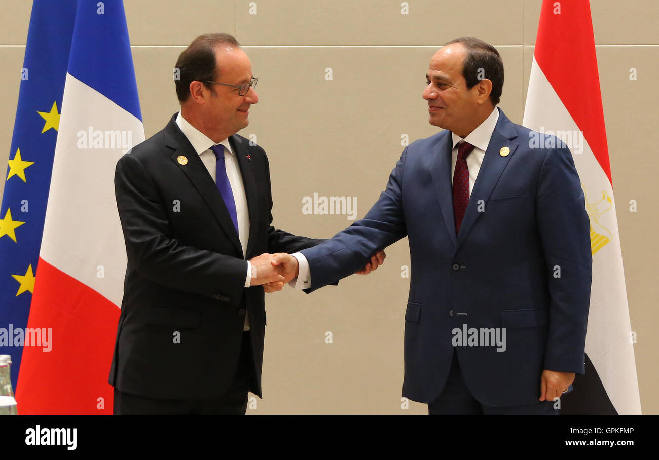 Hangzhou, Hangzhou, China. 5th Sep, 2016. French President Francois Hollande (L) shakes hands with Egypt's President - Stock Image