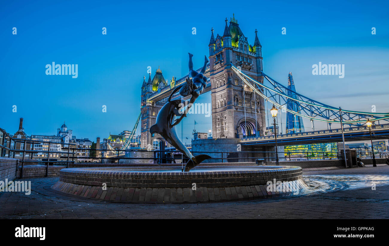 Tower Bridge Blue hour time - Stock Image