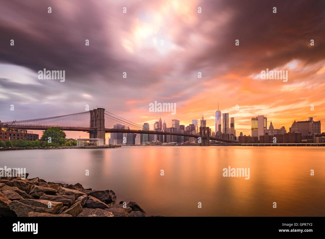 New York City skyline at dusk. - Stock Image