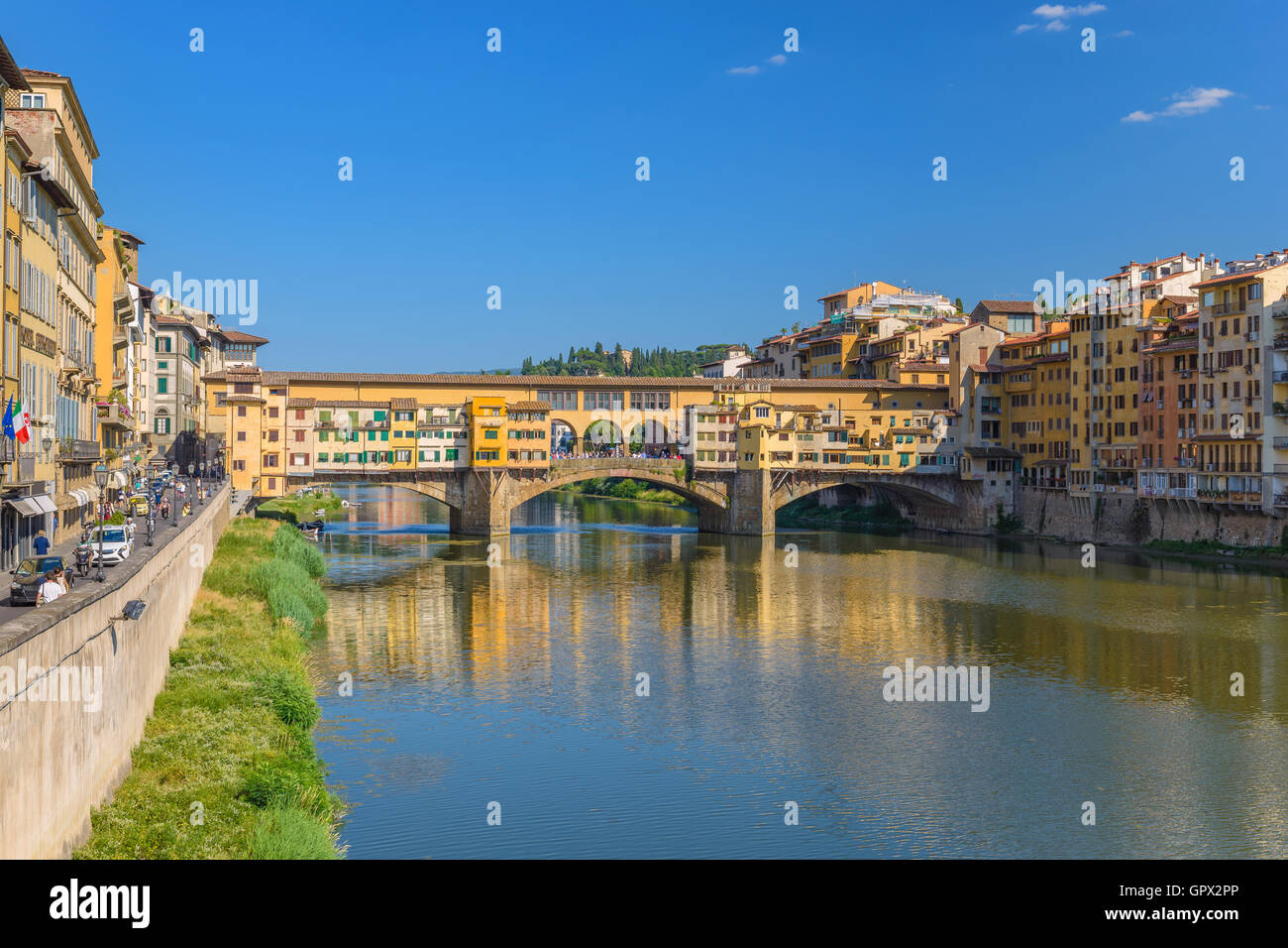 Ponte Vecchio and city skyline, Florence, Italy - Stock Image