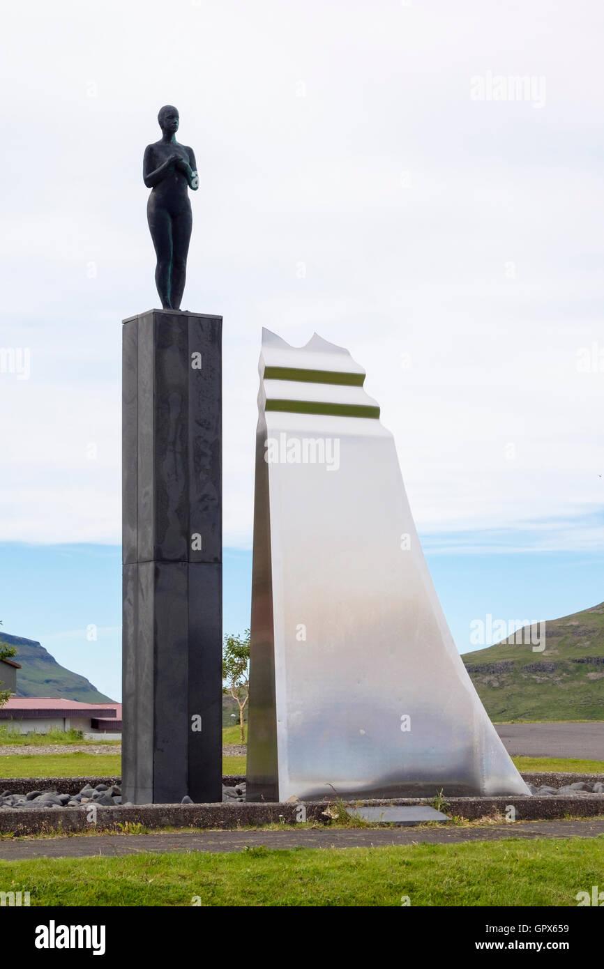 SYN sculpture. Grundarfjordur (Grundarfjörður), Snaefellsnes Peninsula, Iceland - Stock Image