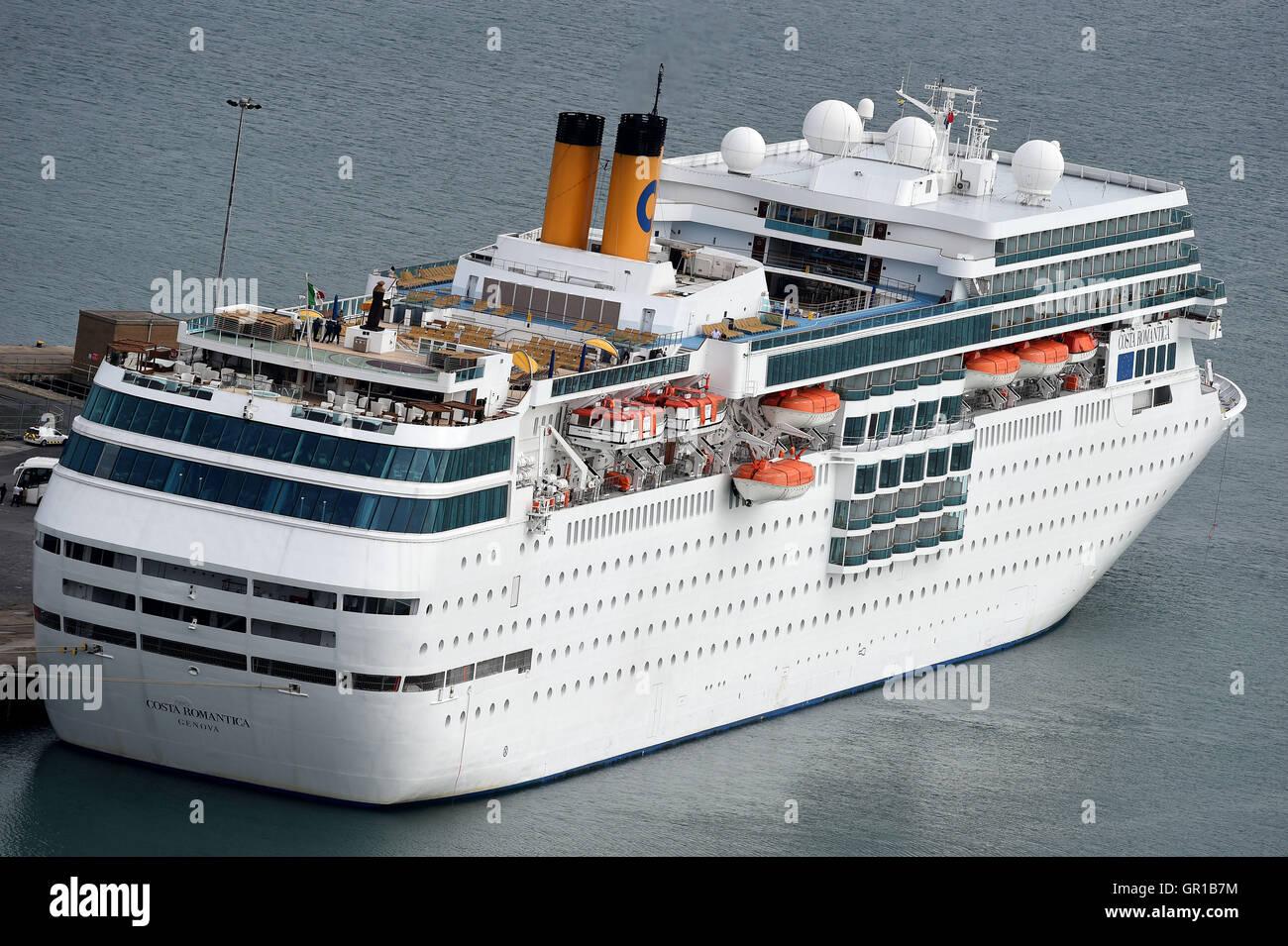 Costa Neoromantica Cruise Ship Stock Photo Alamy
