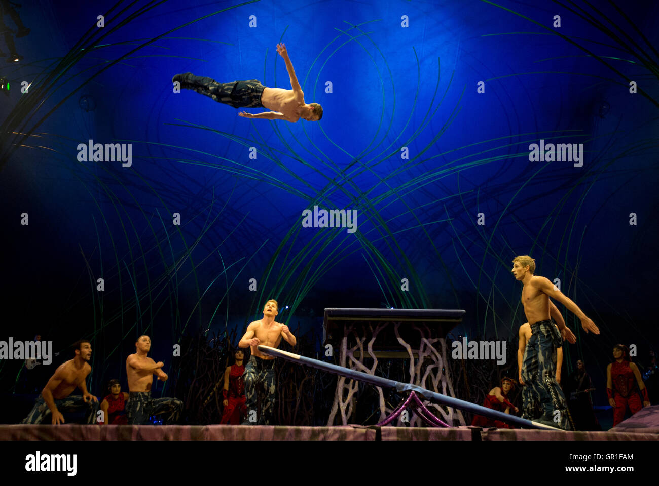 Manchester, UK. 6th September 2016. The dress rehearsal / preview of the Cirque du Soleil production 'Amaluna' - Stock Image