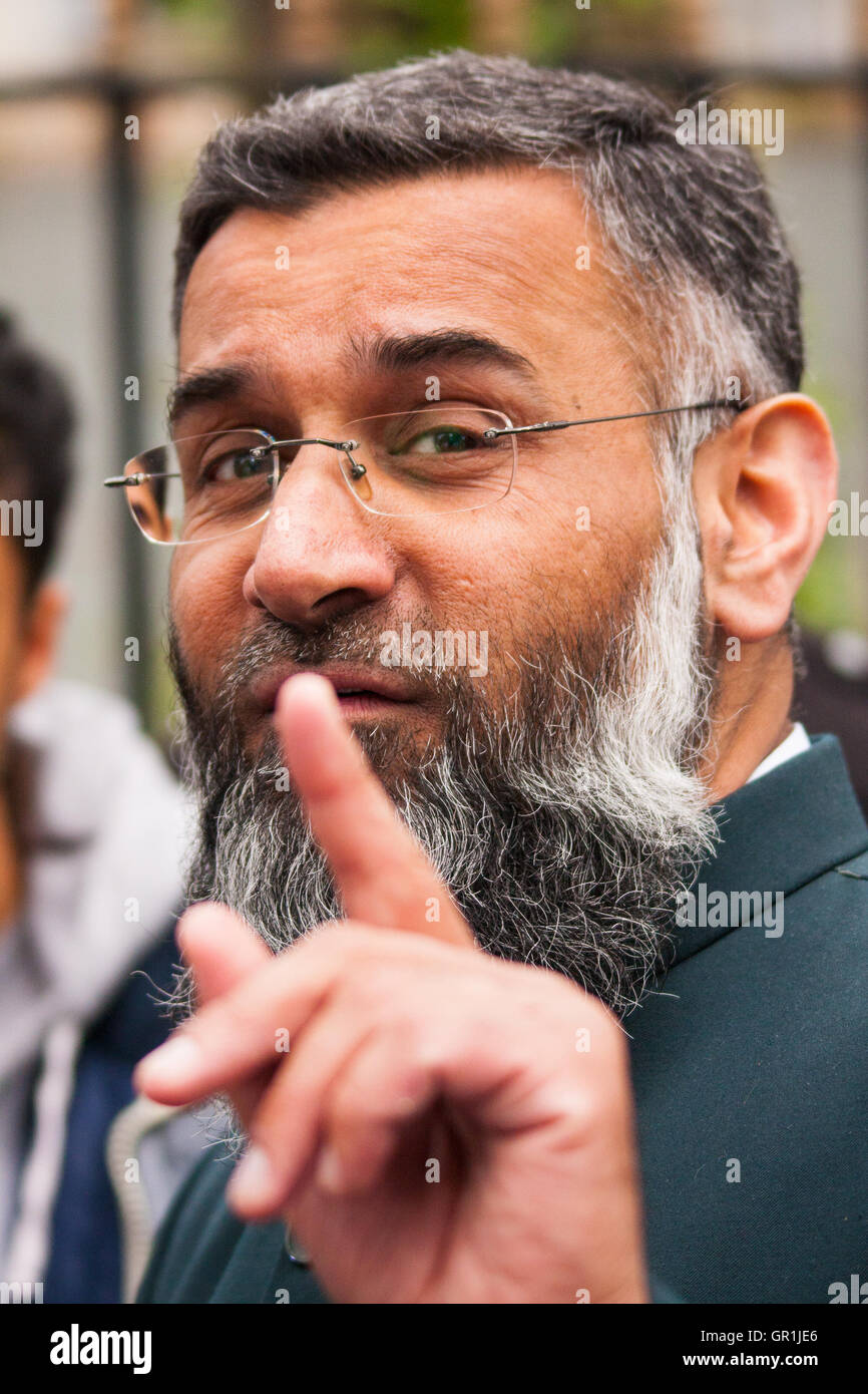 London, April 18th 2014. Anjem Choudary (pictured) and his Islam4UK group protest after Friday prayers at Regent's - Stock Image