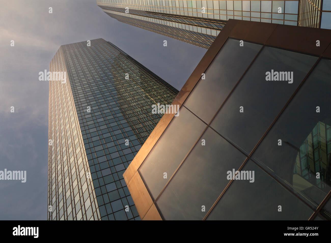Deutsche Bank twin towers from below, Banking and Financial District, Frankfurt - Stock Image