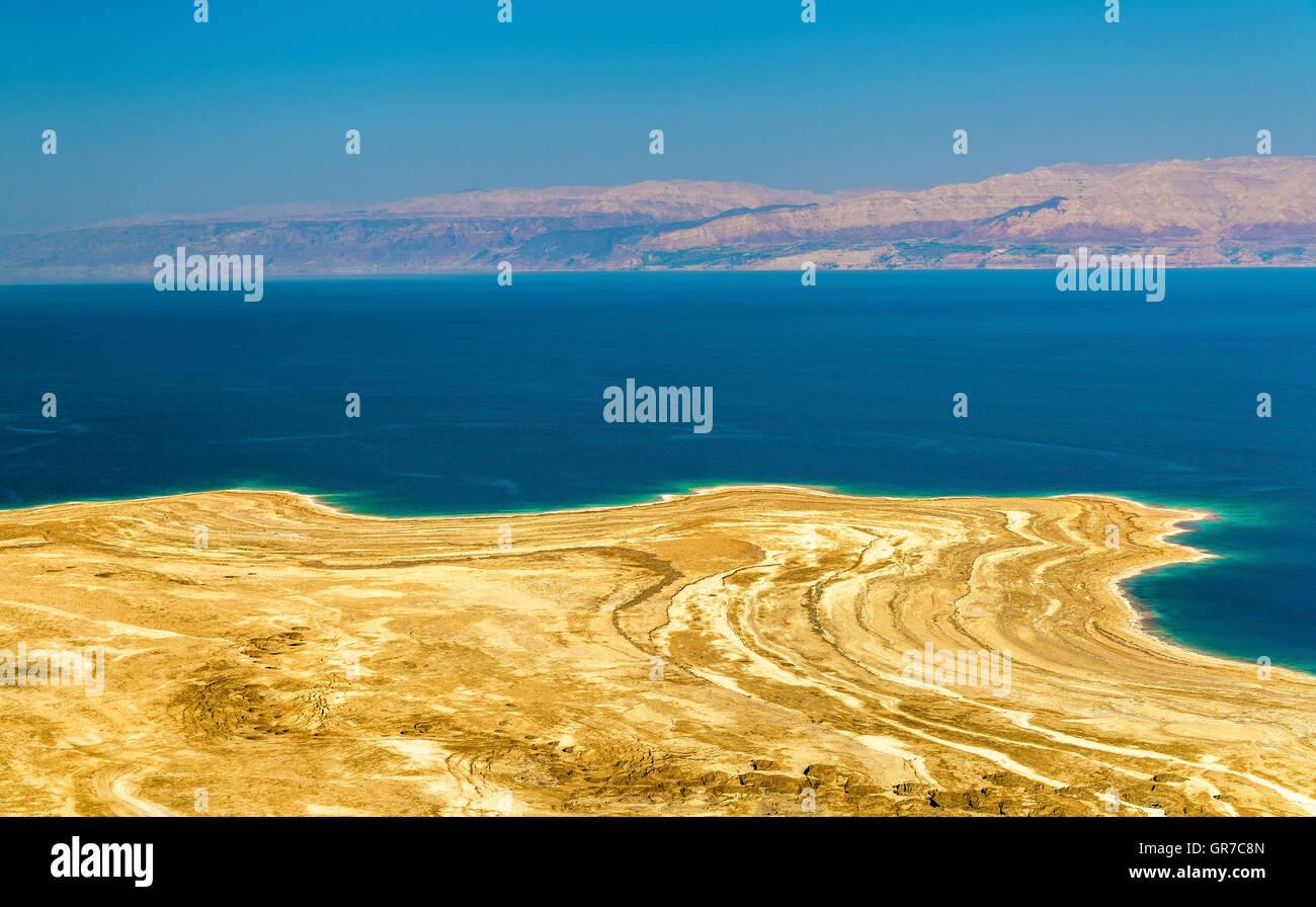 View of Dead Sea coastline in Israel - Stock Image