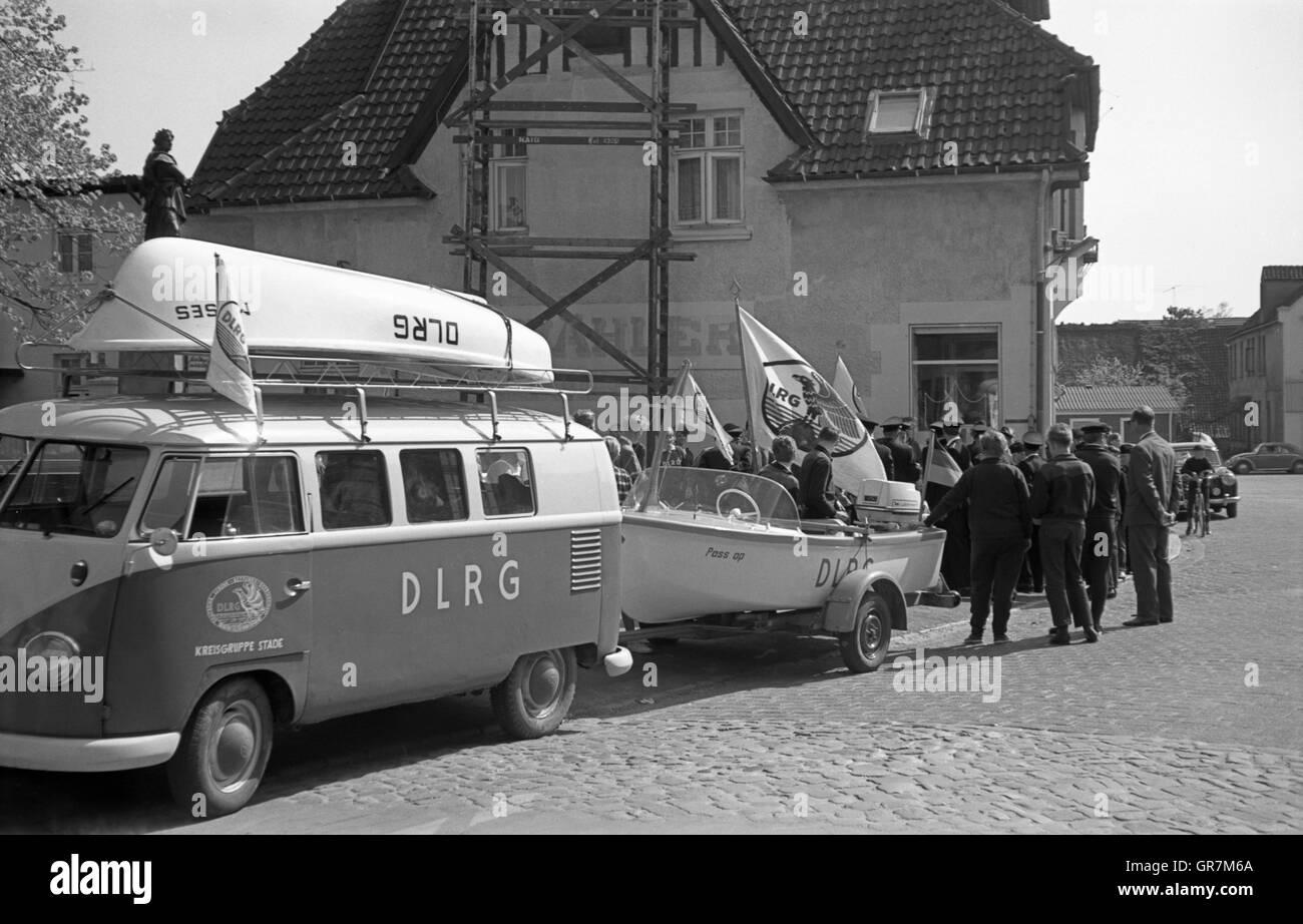 Dlrg Lifesaving Vw 1965 Bw - Stock Image