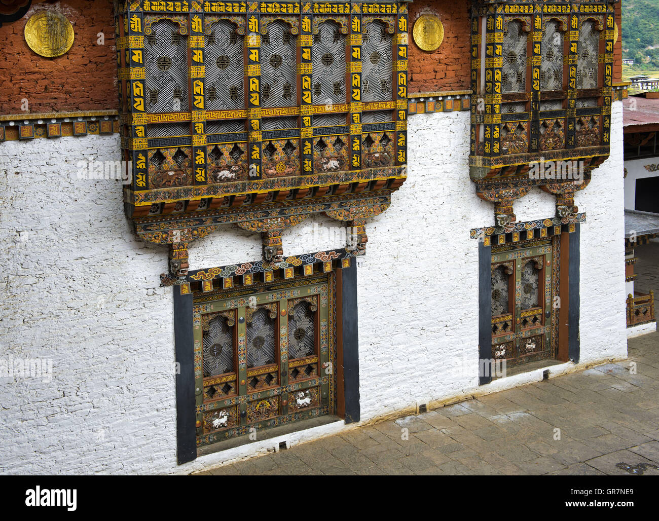 Ornated Windows And Bay Windows In The Monastery And Fortress Punakha Dzong, Punakah, Bhutan - Stock Image