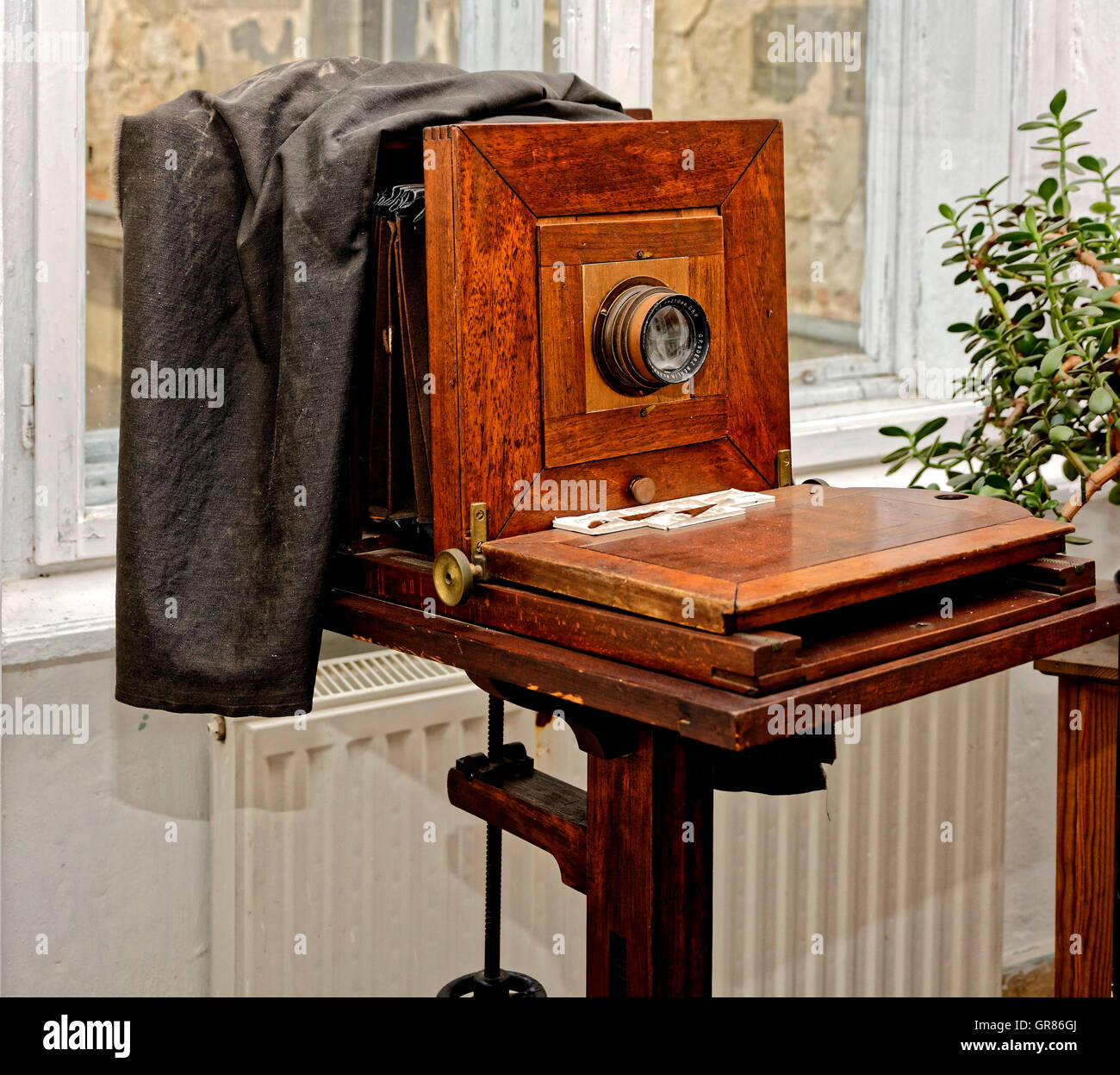 Past Large Format Camera, Professional Camera Made Of Wood - Stock Image