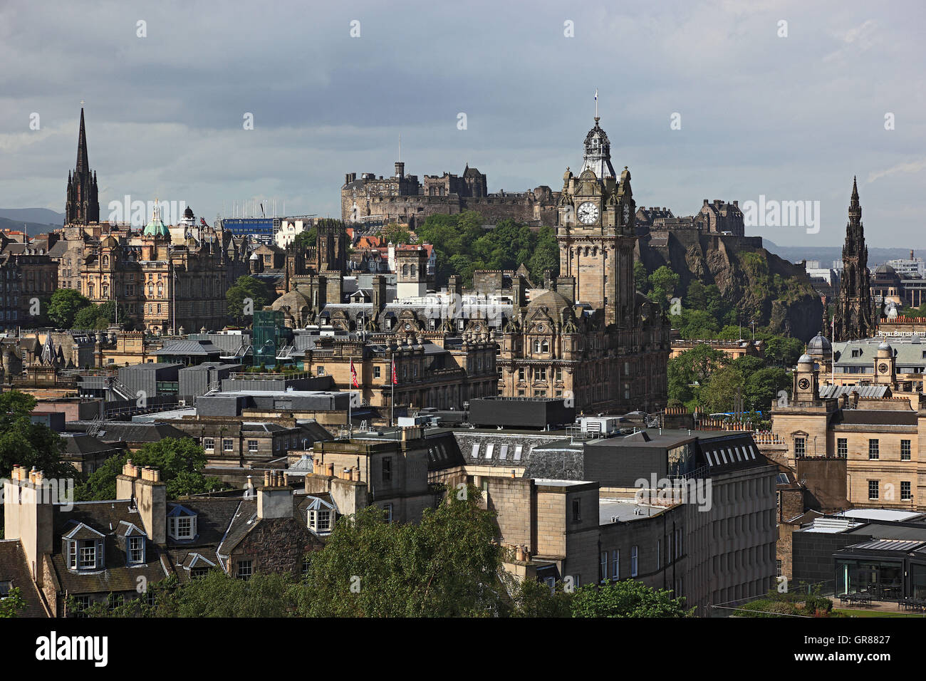 Scotland, Edinburgh, look of the cal tone Hill on the city centre, Old Town - Stock Image