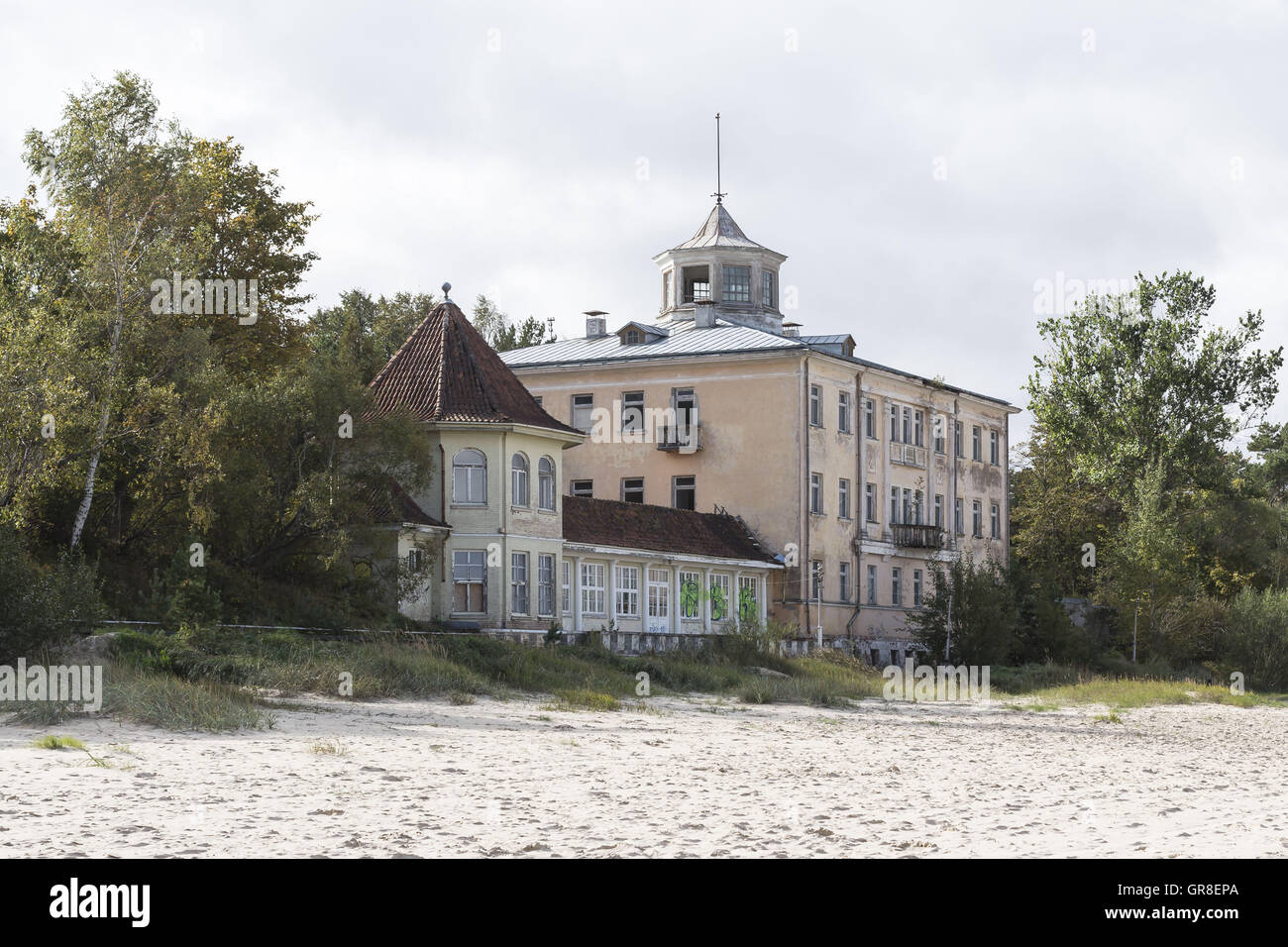Formerly Magnificent Bathing Establishments And Hotels Can Be Found On The Baltic Sea Beach Of Jurmala, Not Far - Stock Image