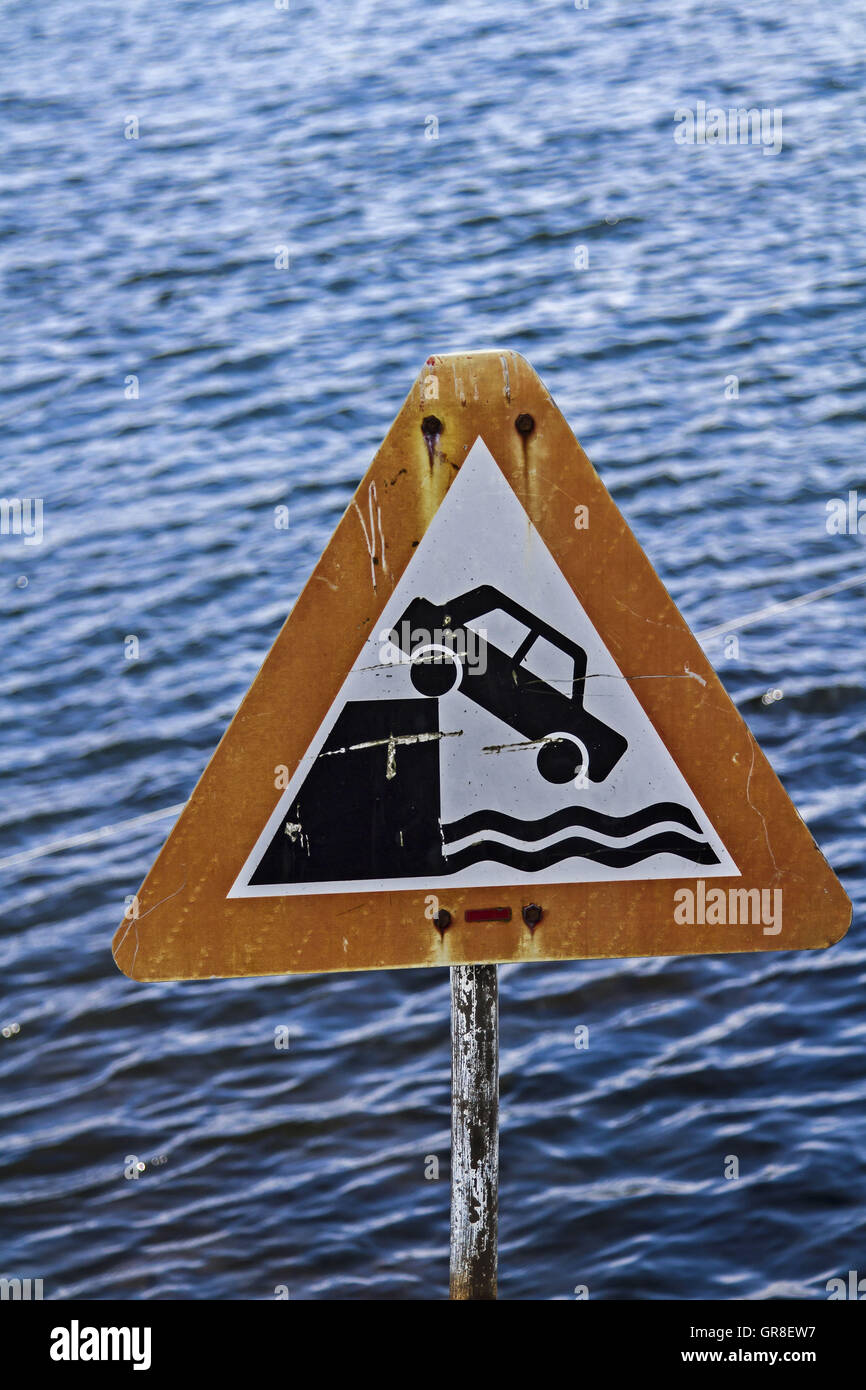 Sign Warning Of The Abrupt End Of The Road - Stock Image