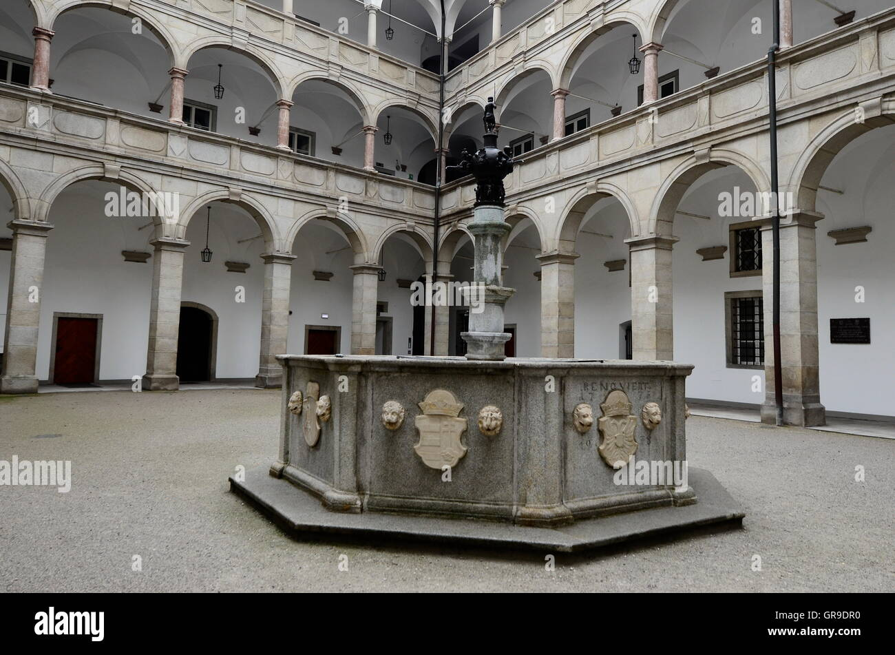 Landhaus Linz, Arcaded Courtyard With Fountain Planet - Stock Image