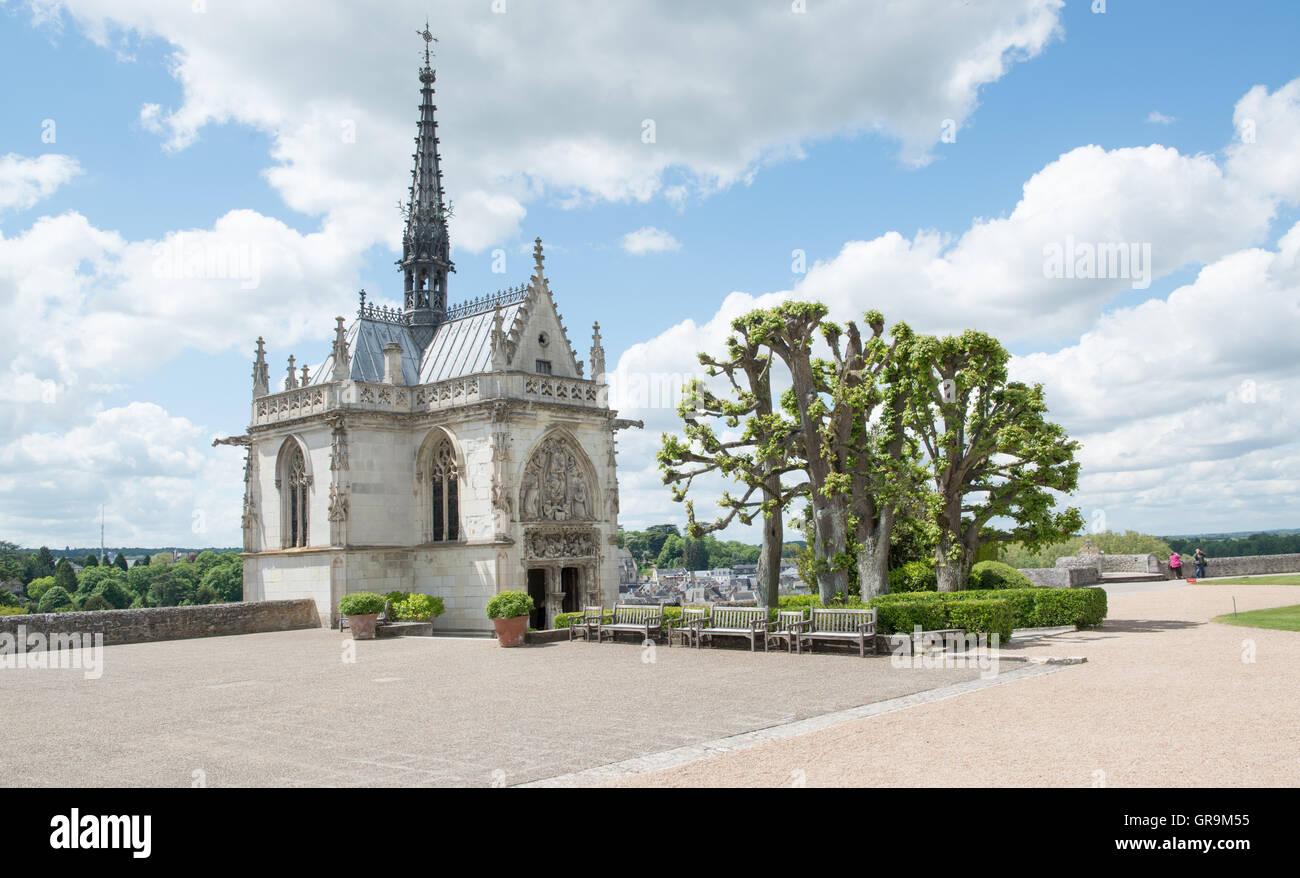 Hubertus Chapel Castle Amboise Grave Of Leonardo Da Vinci River Loire Stock Photo Alamy